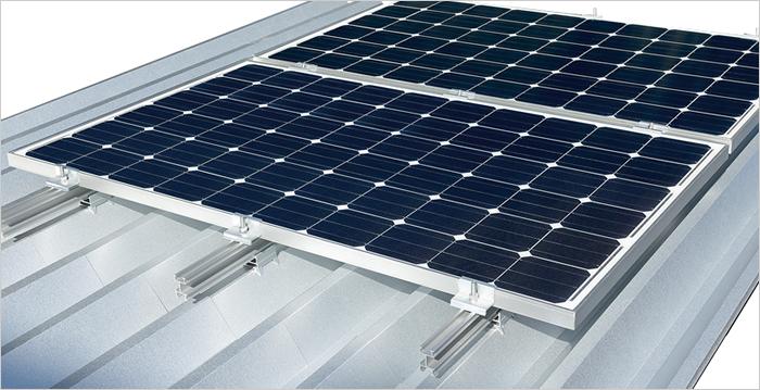 重ね式折板屋根設置(レール工法)設置例